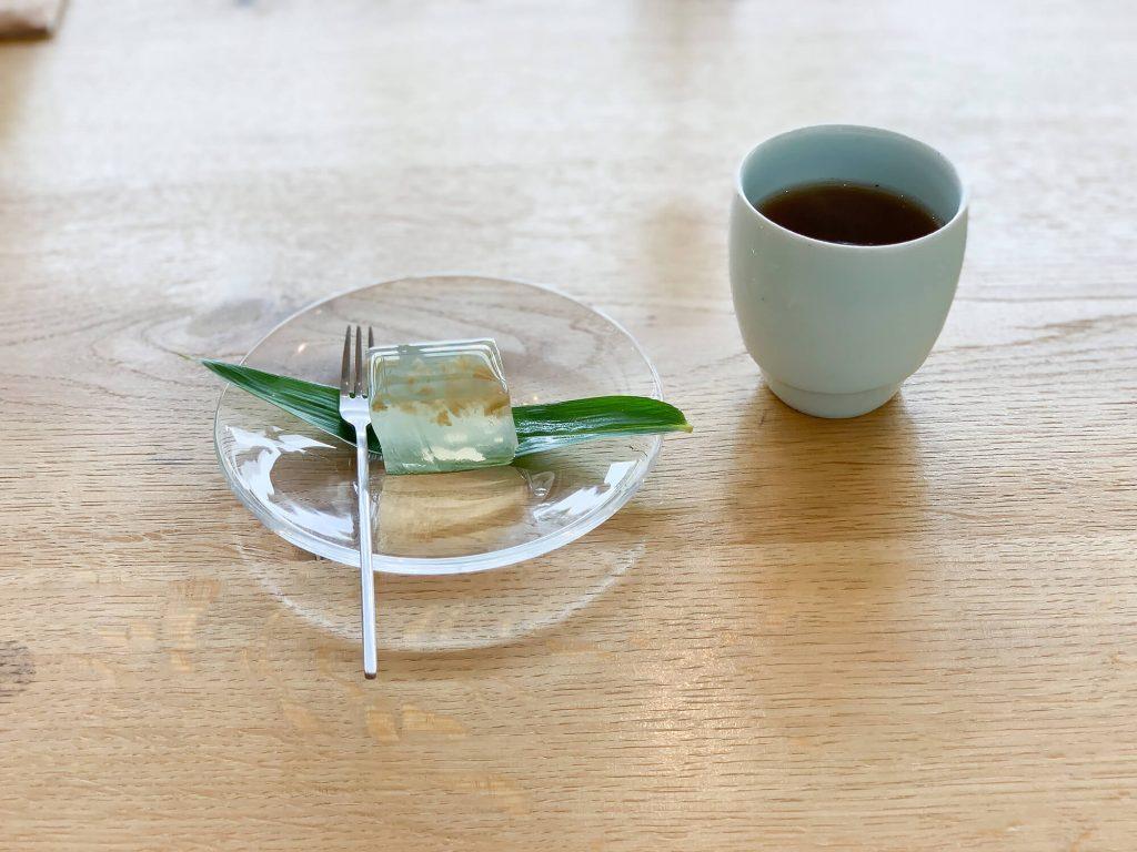 山のテーブル デザート